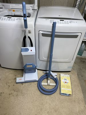 Aerus Lux Electrolux Vacuum cleaner for Sale in Westminster, MD