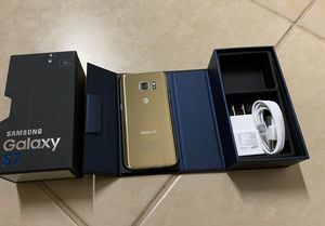 Samsung galaxy s7 Gold UNLOCKED for Sale in Round Rock, TX