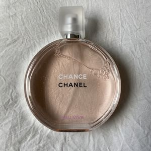 CHANEL CHANCE EAU VIVE 3.4oz for Sale in Hacienda Heights, CA