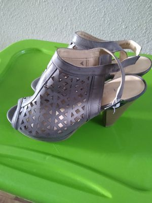 High Heels Size 8 , Bought them at Macys, New!! for Sale in Atlanta, GA
