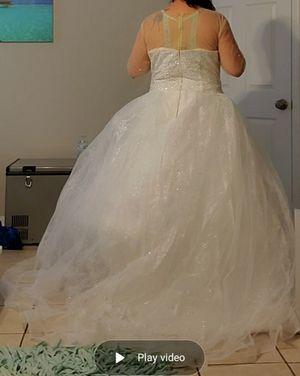 Wedding dress brand new size 22w:bust 124cm waist 109cm hips 131cm hollow to floor 155cm for Sale in Kissimmee, FL