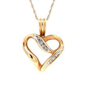 10k Diamond Heart Necklace for Sale in Woodbridge, VA