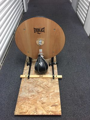 Everlast speed bag platform with new Title speed bag. for Sale in Des Plaines, IL