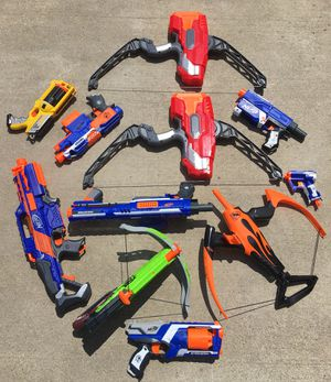 Nerf Lot of 10+ Guns and Slide On/In Accessories (no batteries included) for Sale in Galena, OH