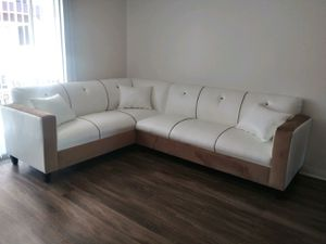 NEW 7X9FT WHITE LEATHER COMBO SECTIONAL COUCHES for Sale in Woodville, CA
