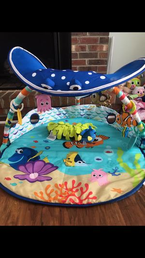 Finding Nemo toy , tummy time mat for Sale in Randleman, NC