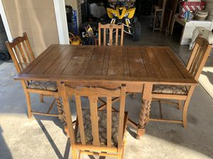 Kitchen table and 4 chairs for Sale in San Diego, CA