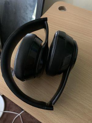 Beats solo 3 wireless for Sale in Pomona, CA