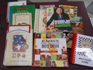 12 COOK AND RECIPES BOOKS VINTAGE AND MODERN for Sale in Columbus, OH