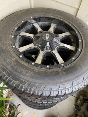 Moto Metal rim with tires for Sale in Tacoma, WA
