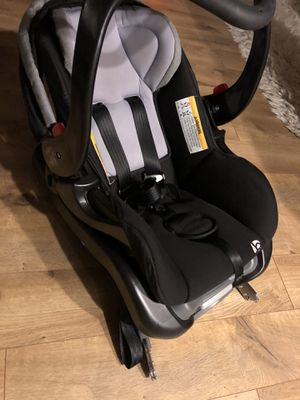 Baby Car Seat and Carrier for Sale in Bellevue, WA