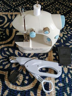 Michley mini sewing machine for Sale in Lakewood, CO