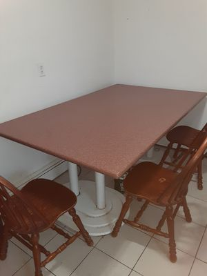 Kitchen table for Sale in Valley Stream, NY