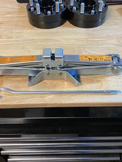 Infiniti G35 Factory Jack for Sale in Roseville,  CA