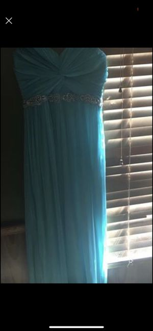 Prom dress, paid 170. Asking 70 for Sale in Fayetteville, NC