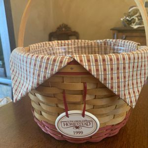 Longaberger 1999 Homestead Basket-SIGNED! for Sale in Schaumburg, IL