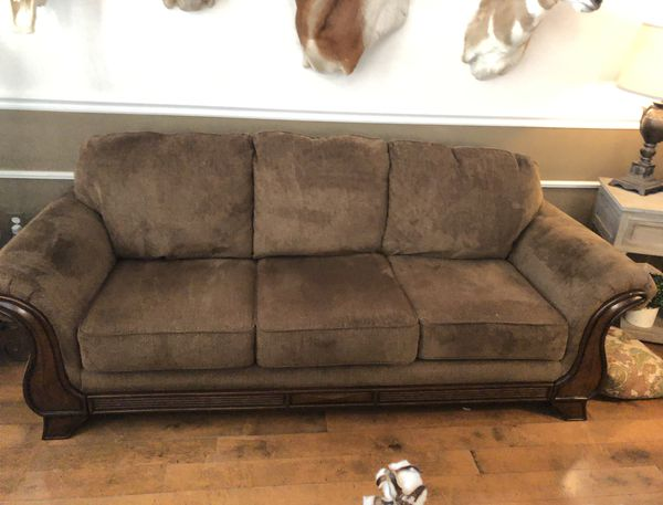 Beautiful Full Size Sofa