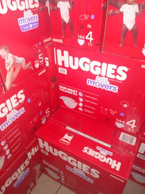 HUGGIES LITTLE MOVERS SIZE 4 5 $33 CADA 1 CAJA PRECIO FIRME RRECOJER EN SANTA ANA CA NO ADOMISILIO 👁️ for Sale in Santa Ana, CA