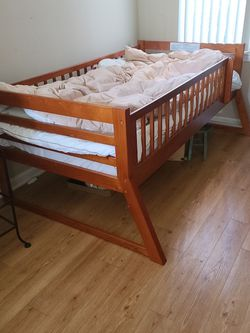 Twin Size Bed For Pick Up for Sale in Stanford,  CA