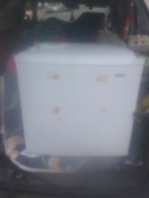 Small Kenmore refrigerator for Sale in San Francisco, CA