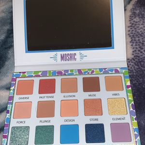 Makeup Pallet for Sale in Apple Valley, CA