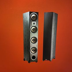 Polk audio monitor 70 series ll( Two floor standing speakers) for Sale in Seattle,  WA