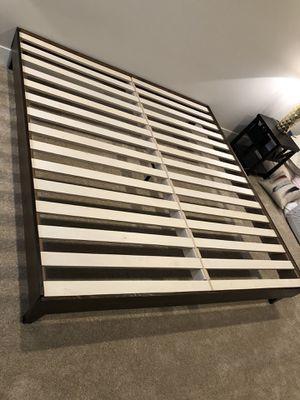 Lull king size platform frame for Sale in Wilsonville, OR