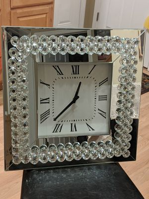 Wall Clock. Beautiful. Heavy. Brand New. 20×20 for Sale in Orient, OH