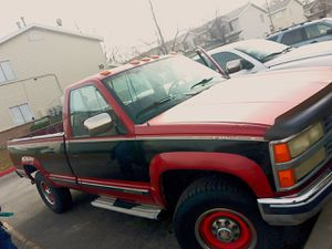 ***classic 1991Gmc chevy silverado pickup truck***quick sale moving out of state accepting offers asking 2000 obo for Sale in Salt Lake City, UT