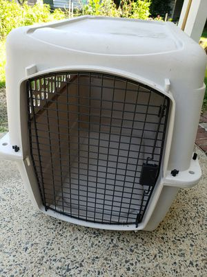 Dog crate for Sale in Holly Springs, NC