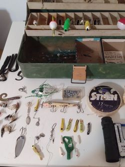 45 Fishing Gear 34 Lures 5 Floaters 1 Vintage Tackle Box 1Scale Lead Weights 2Fishing Line Spools 1 Monocular for Sale in Kissimmee,  FL
