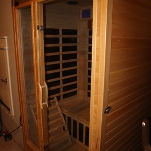 Bamboo Home Sauna: Pristine Condition for Sale in Milwaukie, OR