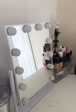 Vanity mirror with three lighting settings (pick up only) for Sale in Woodbridge, VA