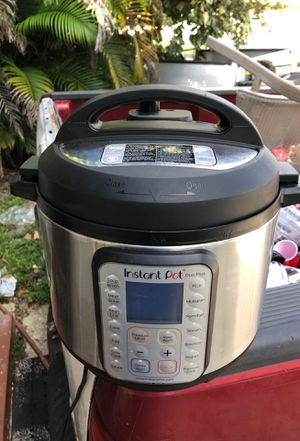 Instant pot duo plus. Pressure cooker/rice cooker/slow cooker for Sale in Hialeah, FL