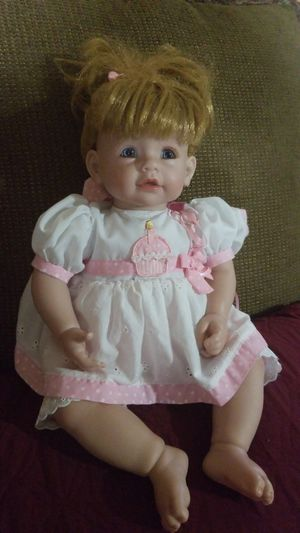 ADORA DOLL (USED) for Sale in Franklin, TN
