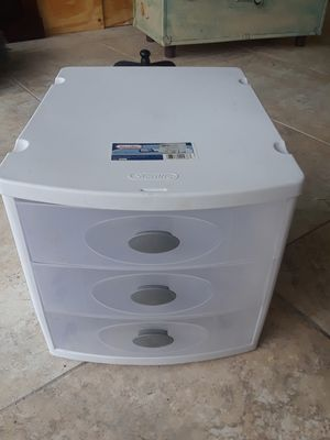 3 drawer plastic storage for Sale in Port St. Lucie, FL