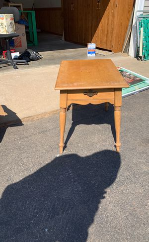 Maple end table. Needs loving. for Sale in Ironton, MN