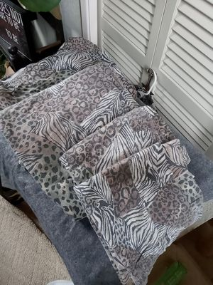 KING SIZE SET OF FLANNEL SHEETS for Sale in Everett, WA