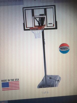 """Life Time Basketball hoop , portable. 48"""" wide, will expand to 10' high , excellent condition for Sale in Phoenix, AZ"""