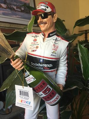 "NASCAR Dale collectible statue 19"" for Sale in Lake Stevens, WA"