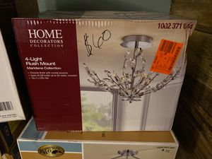 Crystal accent light fixture for Sale in Fair Oaks, PA