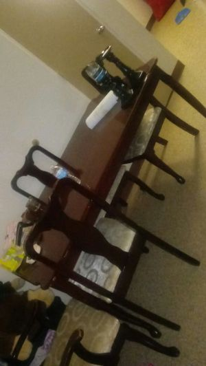 Dining table 4 chairs for Sale in Cleveland, OH