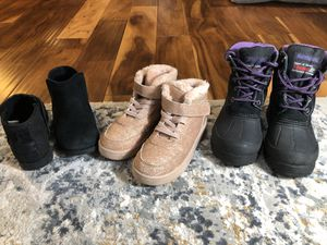 Girls in good condition shoes 13, 1, 1 for Sale in Mount Vernon, WA