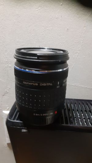 Olympus M.Zuiko Digital ED 40-150mm F4.0-5.6 R Zoom Lens, for Micro Four Thirds Cameras (Black) for Sale in Elk Grove, CA
