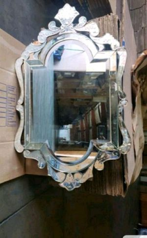 Antique mirror for Sale in Long Beach, CA