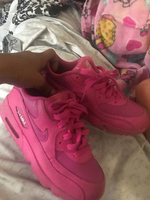 Hot pink air max for Sale in Sacramento, CA