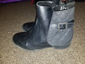 Boots! Size 4 for girl! for Sale in Carlisle, PA