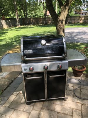Weber Natural Gas Grill Genesis 310 for Sale in Manchester, MO