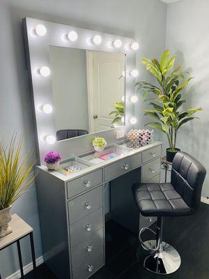 Vanity desk with glass top Vanity mirror diamond knobs white or grey for Sale in Bakersfield, CA
