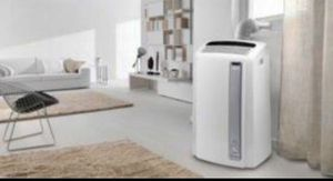 Delonggi portable A/C air conditioner AND HEATER with remote works perfectly 12500 BTU Btus for Sale in San Diego, CA